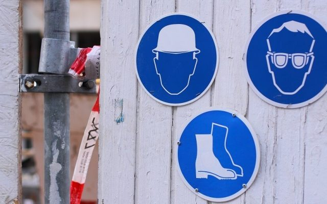 Site manager safety signs